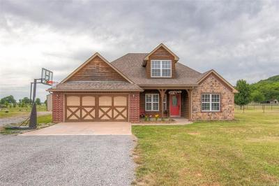Claremore Single Family Home For Sale: 24422 S Meadow Circle Road