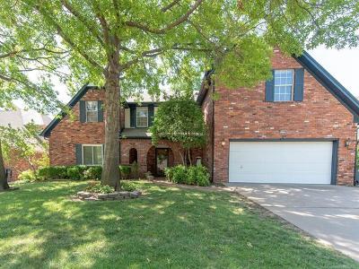 Tulsa Single Family Home For Sale: 9928 E 97th Street