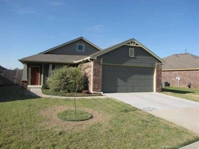 Jenks Single Family Home For Sale: 10412 S Olmsted Place