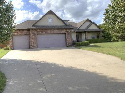 Claremore Single Family Home For Sale: 22424 Riverwood Court