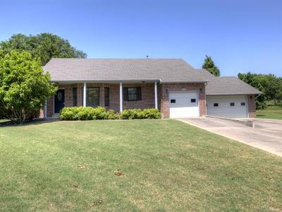 Claremore Single Family Home For Sale: 3004 W Back Nine Drive