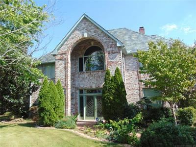 Bartlesville Single Family Home For Sale: 2100 Deerfield Circle