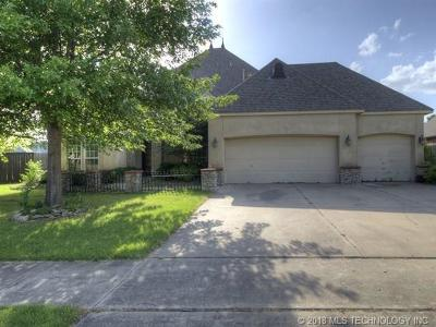 Broken Arrow OK Single Family Home For Sale: $209,900