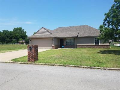 Skiatook Single Family Home For Sale: 4402 W Perrier Drive