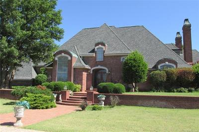 Single Family Home For Sale: 2400 E 18th Street