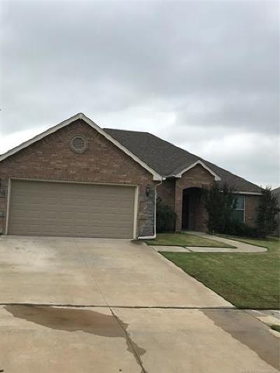 Broken Arrow Single Family Home For Sale: 3205 E Gillette Street