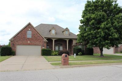 Broken Arrow Single Family Home For Sale: 2412 W Toledo Court