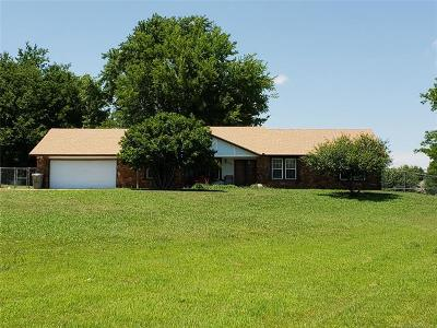 Claremore Single Family Home For Sale: 9965 E Clover Creek Drive