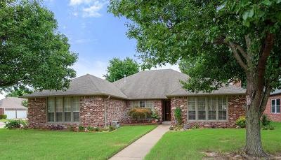 Broken Arrow Single Family Home For Sale: 2301 W Waco Street