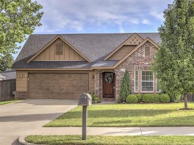 Sand Springs Single Family Home For Sale: 605 W 40th Street