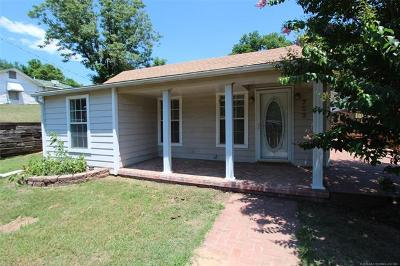 Sand Springs Single Family Home For Sale: 703 N Industrial Avenue