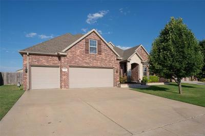 Bartlesville Single Family Home For Sale: 2706 Waterford Court