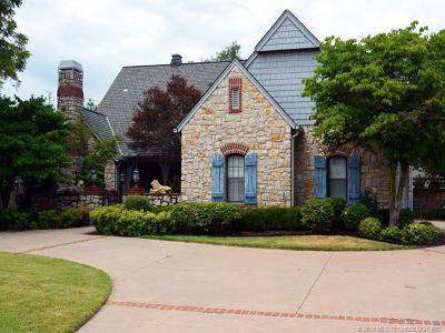 Tulsa Single Family Home For Sale: 10124 S Maplewood Avenue