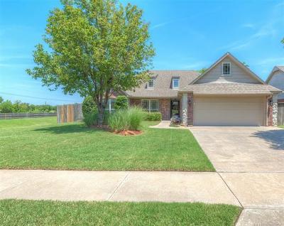 Owasso Single Family Home For Sale: 9707 E 110th Street North