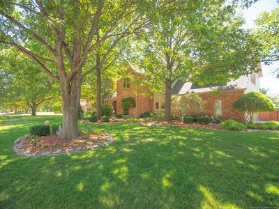 Tulsa Single Family Home For Sale: 5812 E 106th Street