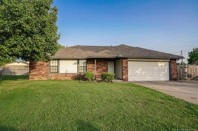 Owasso Single Family Home For Sale: 8319 N 124th East Place