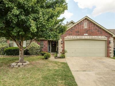Sand Springs Single Family Home For Sale: 5217 Redbud Drive