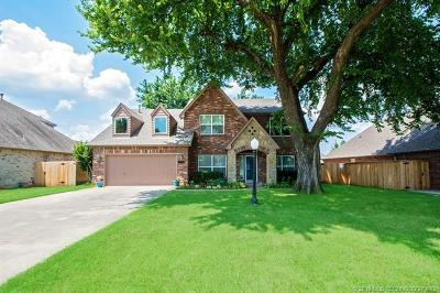 Owasso Single Family Home For Sale: 9216 N 98th East Court
