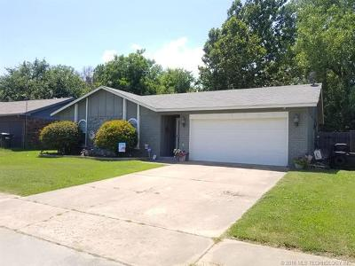 Sapulpa Single Family Home For Sale: 2410 S Independence Street