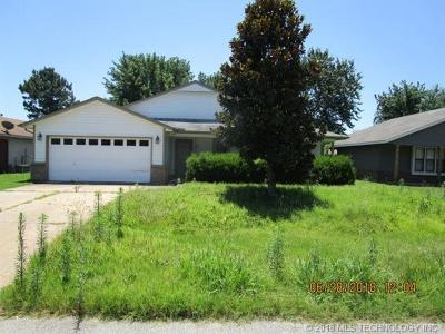 Claremore Single Family Home For Sale: 9482 E Cherrywood Drive
