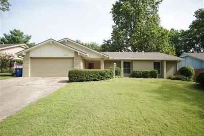 Tulsa OK Single Family Home For Sale: $209,000