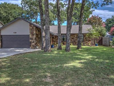 Sand Springs Single Family Home For Sale: 309 W 33rd Street