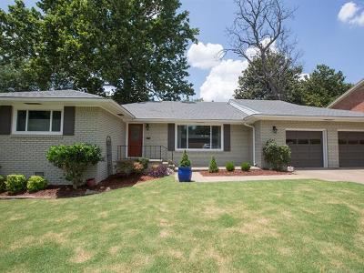 Tulsa Single Family Home For Sale: 3920 S Utica Avenue