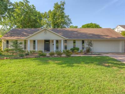 Tulsa Single Family Home For Sale: 2502 E 25th Street