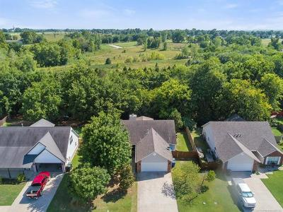 Claremore Single Family Home For Sale: 2607 SW Wolf Run Drive