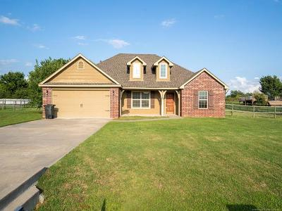 Claremore Single Family Home For Sale: 17009 Eagle Drive