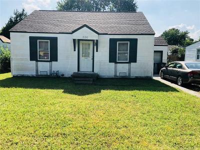 Single Family Home For Sale: 220 S 72nd East Avenue