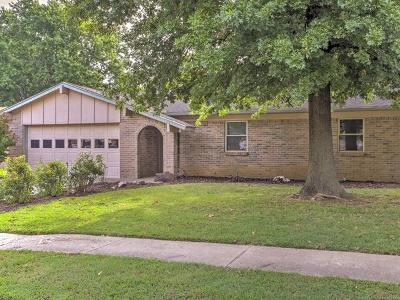 Broken Arrow Single Family Home For Sale: 105 N 11th Street