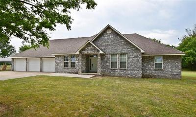 Tahlequah Single Family Home For Sale: 6381 Hwy 82 A