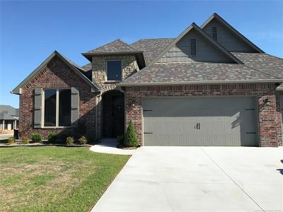 Jenks Single Family Home For Sale: 438 E 130th Street S