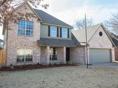Broken Arrow OK Single Family Home For Sale: $243,500