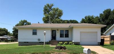 Claremore Single Family Home For Sale: 1101 N Kansas Avenue