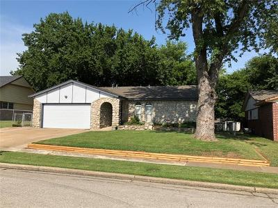 Broken Arrow Single Family Home For Sale: 1807 S 5th Place