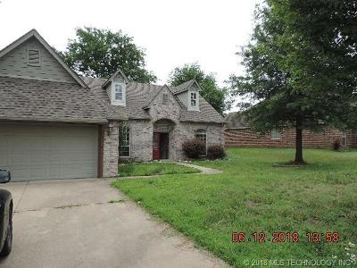Claremore Single Family Home For Sale: 25535 Briar Drive