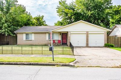 Broken Arrow Single Family Home For Sale: 11414 E 62nd Place