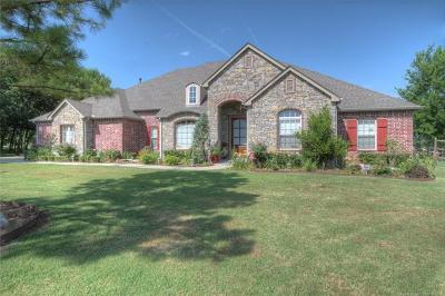 Owasso Single Family Home For Sale: 18902 Chickadee Court