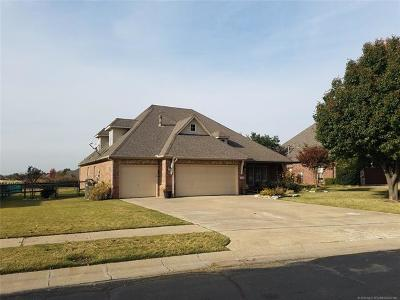 Broken Arrow Single Family Home For Sale: 3808 N Maple Place