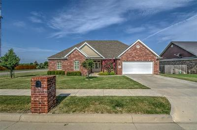 Bartlesville Single Family Home For Sale: 2515 Churchill Drive
