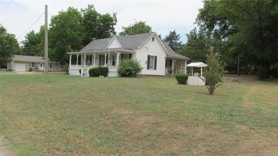 Collinsville Single Family Home For Sale: 1222 W Pearl Street
