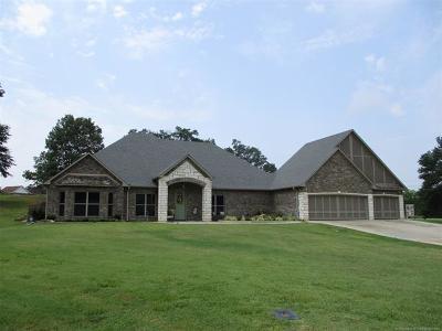 Stigler Single Family Home For Sale: 1409 N Country Ridge Road