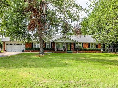 Okmulgee Single Family Home For Sale: 2502 E 20th Street