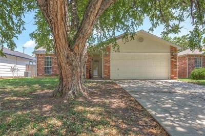 Tulsa Single Family Home For Sale: 6321 S Madison Place