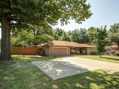 Tulsa Single Family Home For Sale: 3605 S Utica Avenue