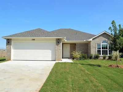Collinsville Single Family Home For Sale: 13301 N 136th East Avenue