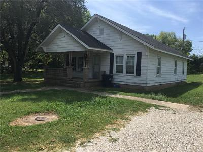 Ada OK Single Family Home For Sale: $52,000