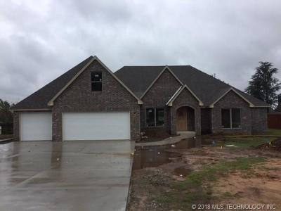 Claremore Single Family Home For Sale: 8200 Overlook Trail